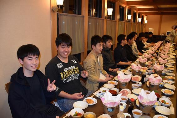 皆揃っての食事は格別です。